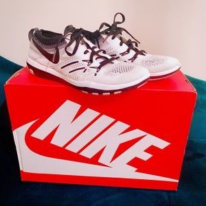 ✔️💕 Nike ID Free Focus Flyknit training sneaker